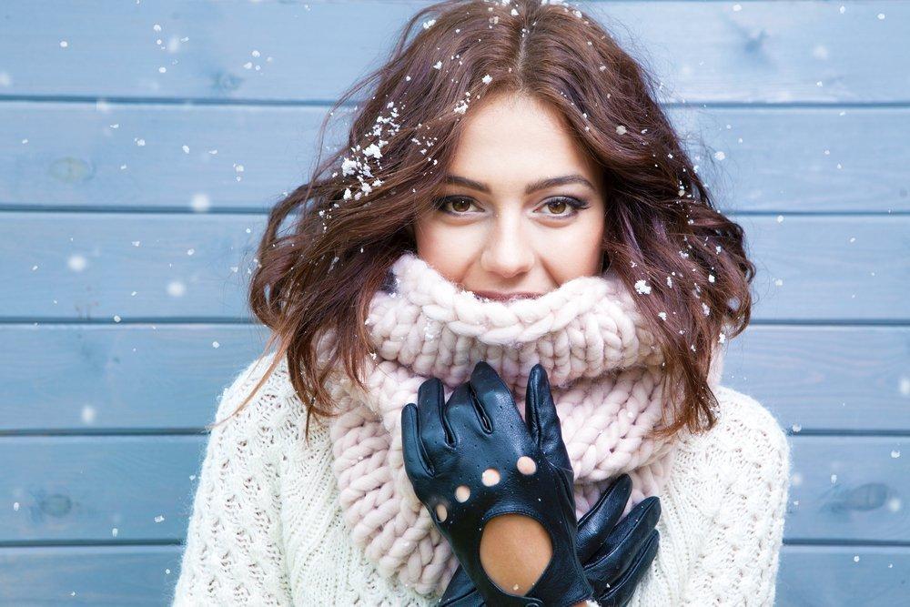 Почему волосам зимой нужен особый уход?