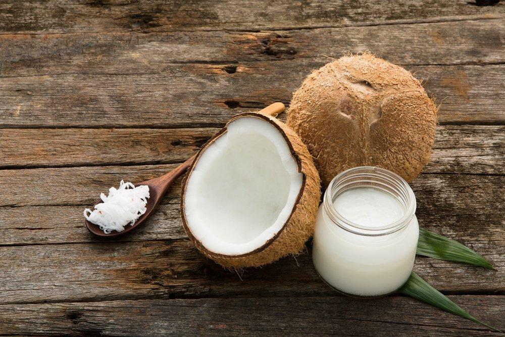 Масла и витамины для вьющихся волос