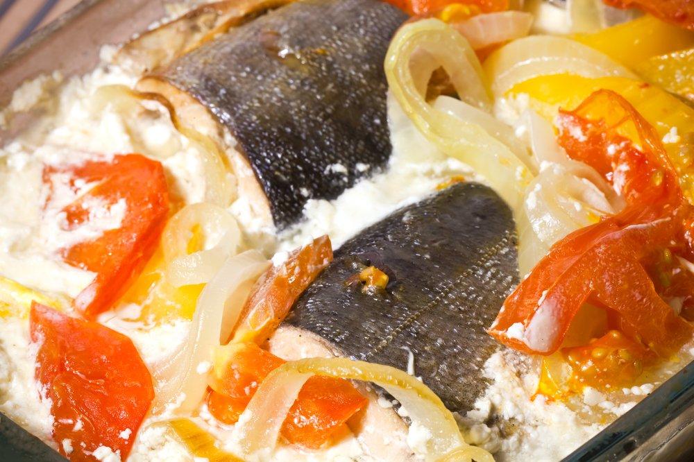 Как приготовить фаршированную горбушу с овощами?