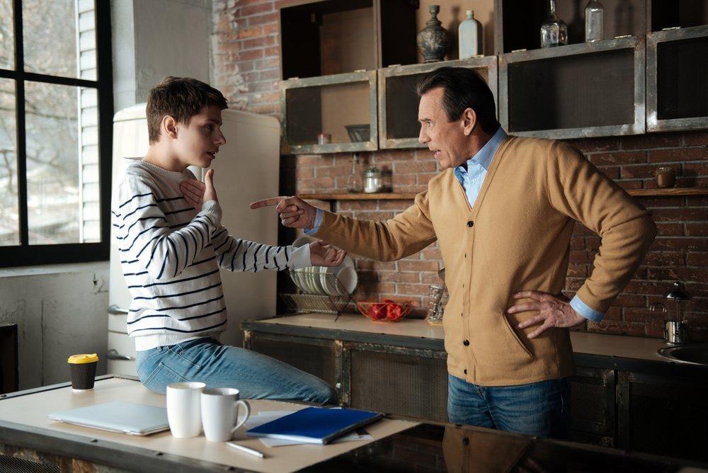 Крик в разговоре с подростком — не аргумент