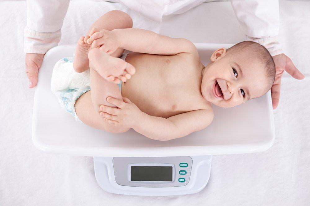 Чем характеризуется физическое развитие детей первого года жизни?
