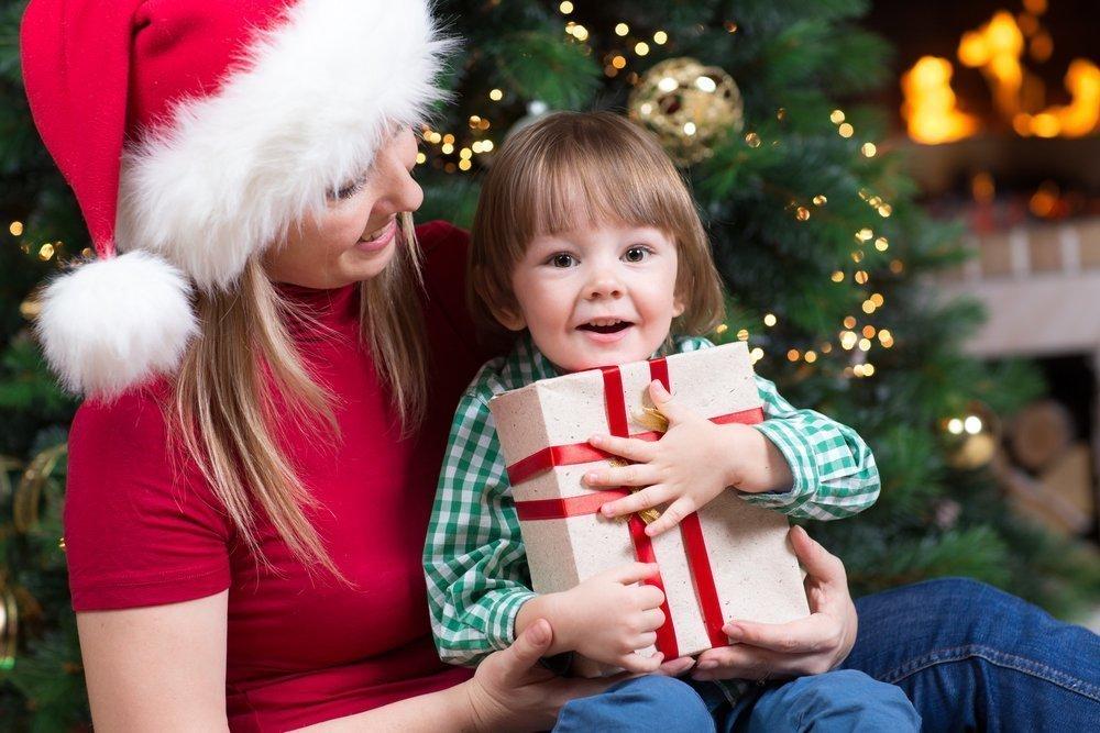 Что дарить детям раннего возраста