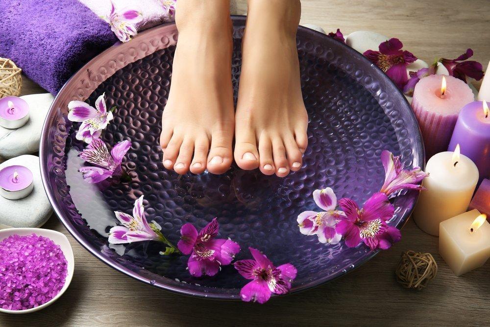 Увлажнение и питание - главный секрет красоты ног