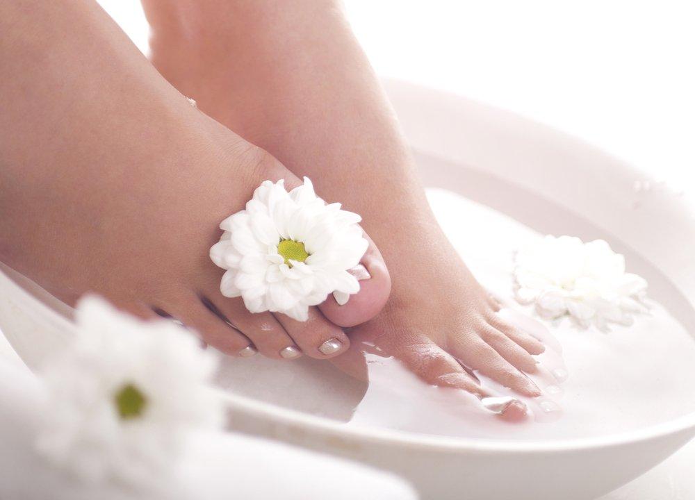 Как правильно парить ноги?