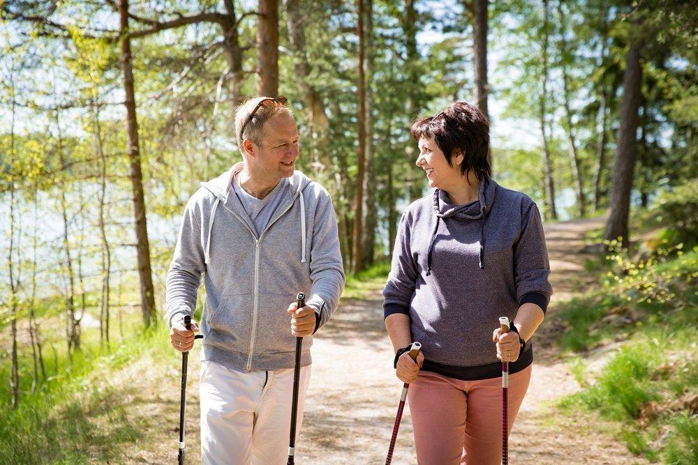 Скандинавская ходьба и похудение