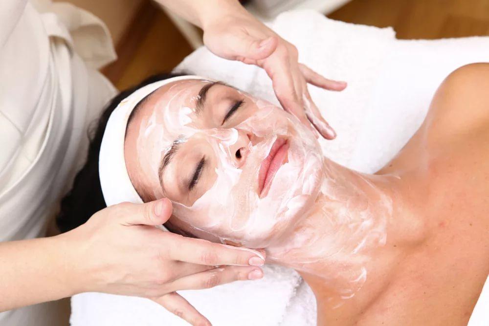 Салонные процедуры для выравнивания тона кожи