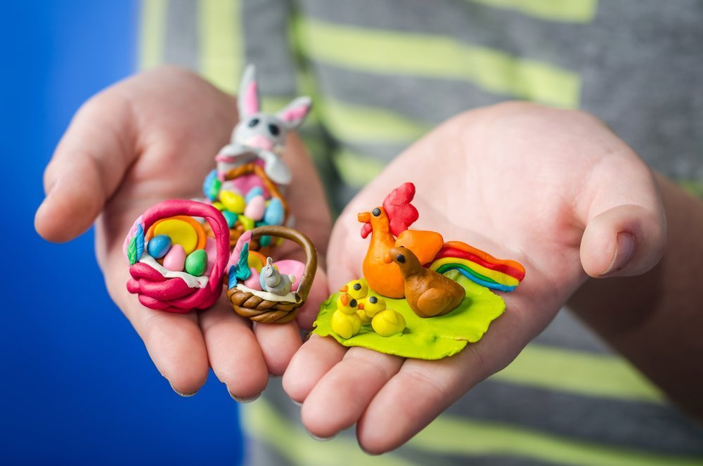 Развитие ребенка: польза игр с пластилином
