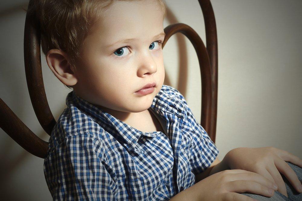 По каким причинам ребенок может начать врать?