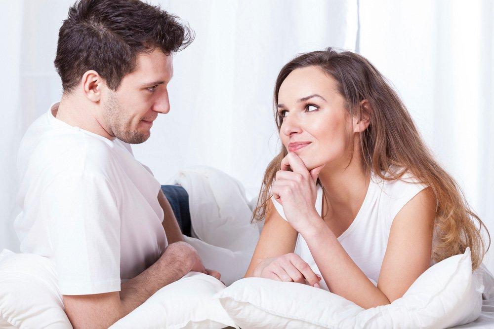 seksualnie-parni-dlya-rabochego-stola