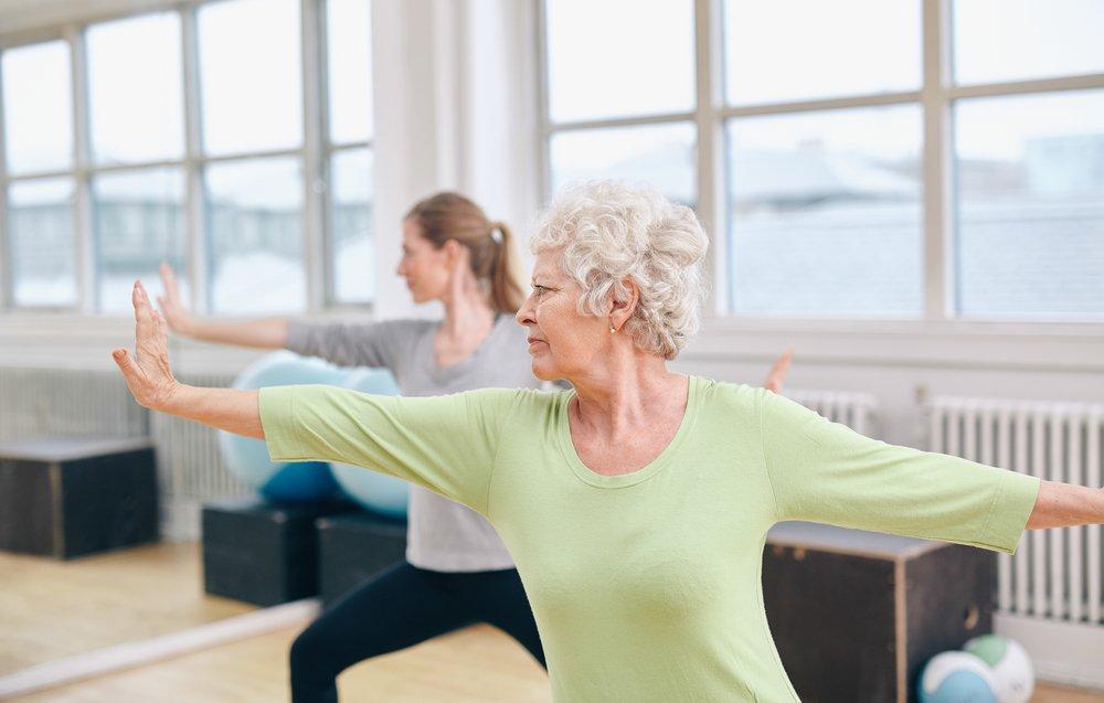 Физические упражнения лечебной физкультуры, выполняемые с четвертого дня после операции