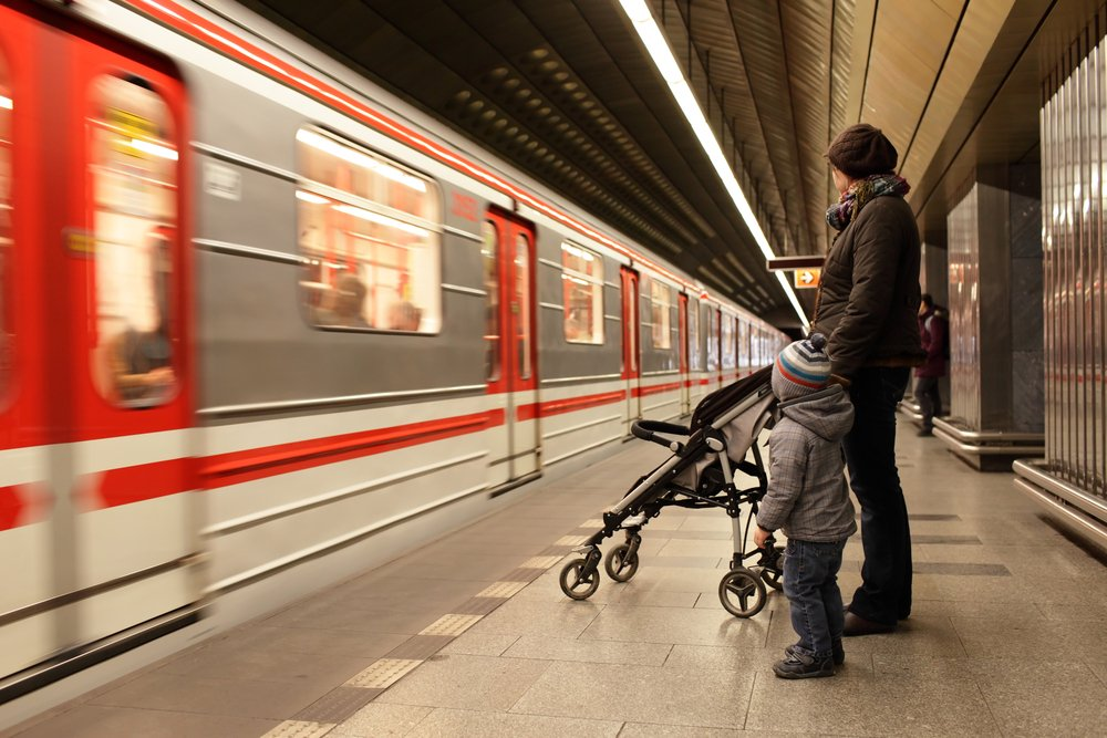 Метро: правила для родителей и детей