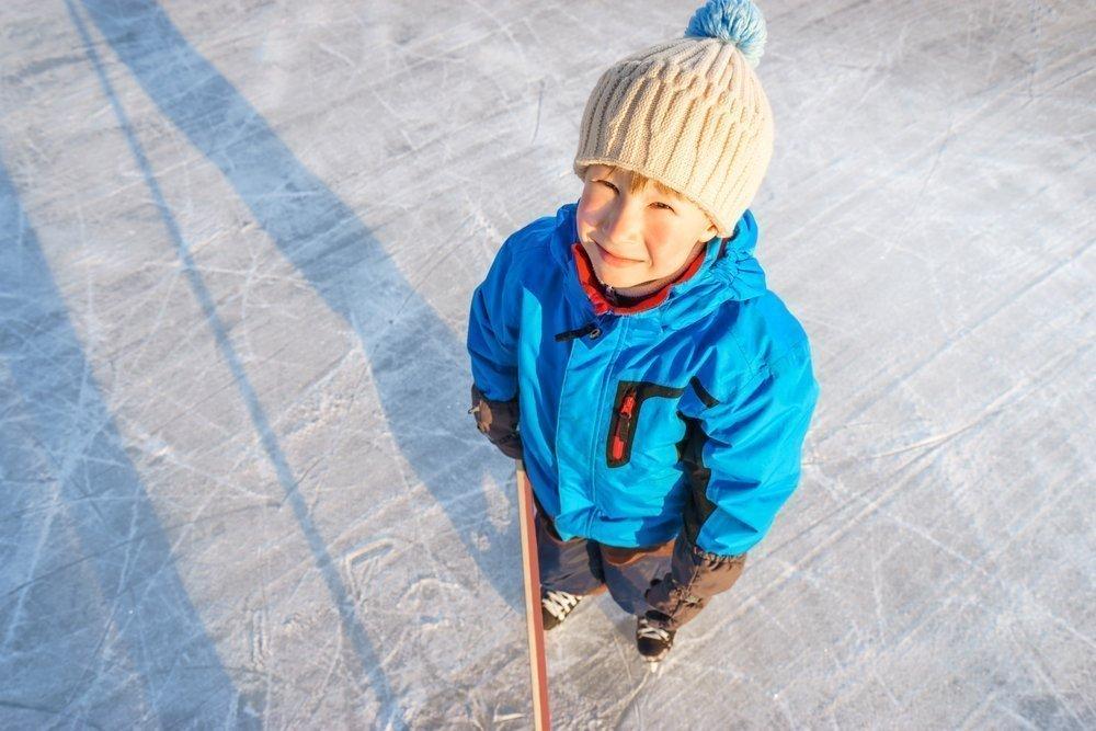 Хоккей для детей: плюсы и преимущества
