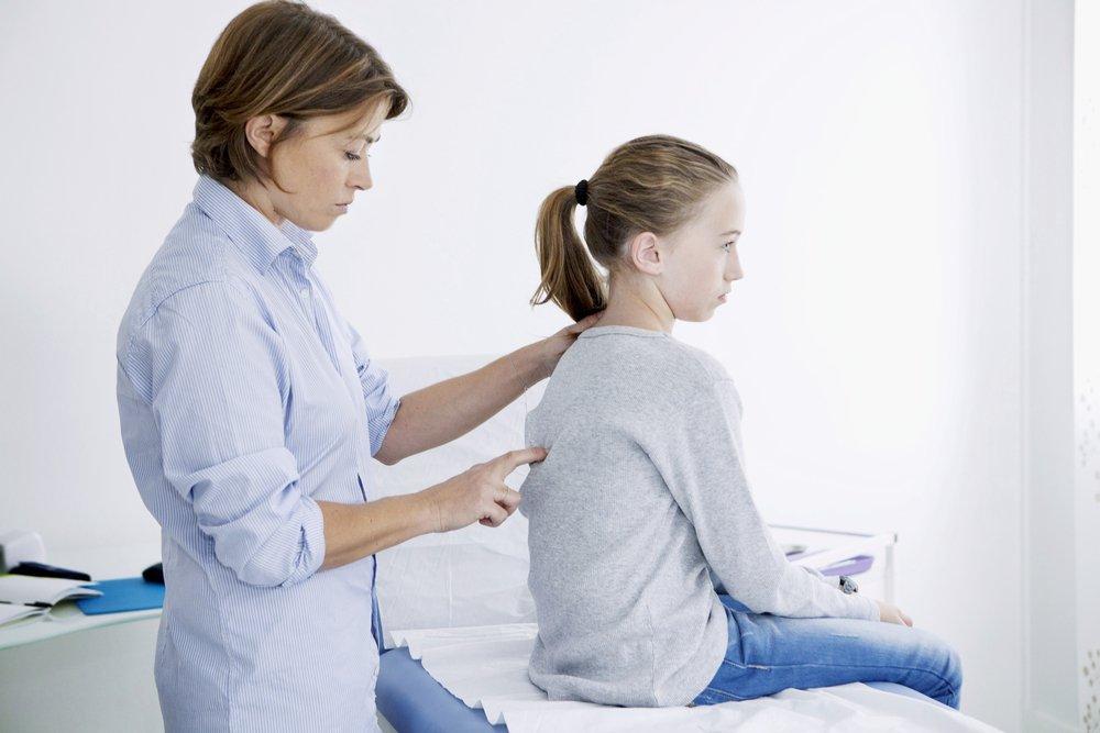 Последствия проблем с осанкой: боль, простуды и головокружения