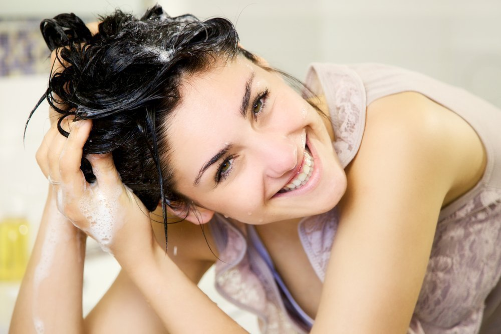 Миф 6. Наличие «химии» в шампуне негативно отражается на здоровье и красоте волос