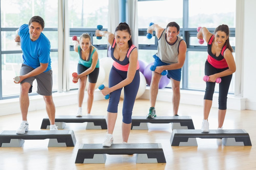 Занятия фитнесом в полдень