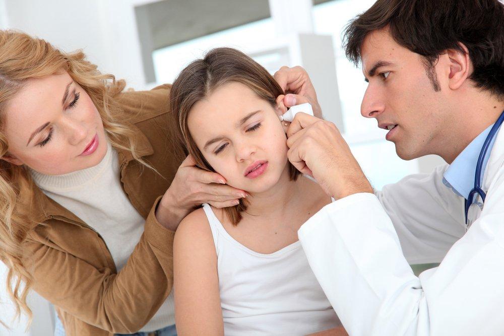 Почему возникает ушная боль у детей?