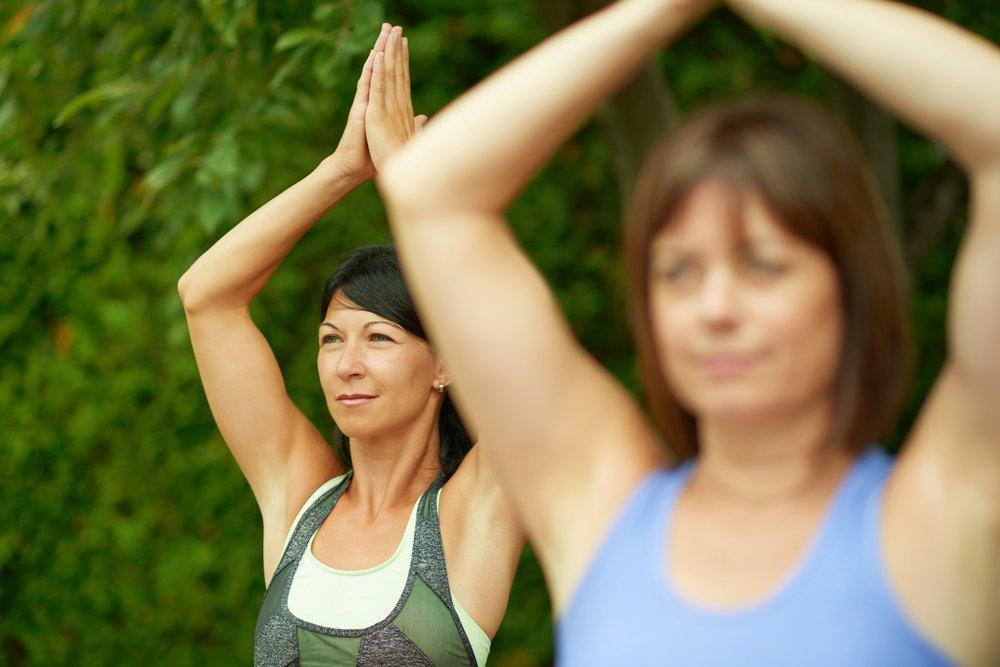 Комплекс упражнений йоги для плеч