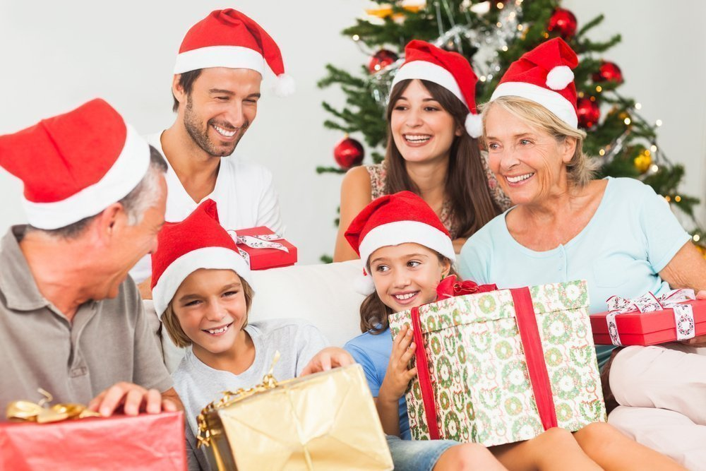 Бабушка и дедушка — самые дорогие родственники