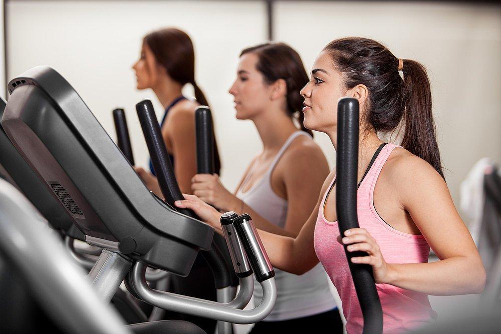 Миф 2: Фитнес, плавание, занятия в тренажерном зале — повод не считать калории