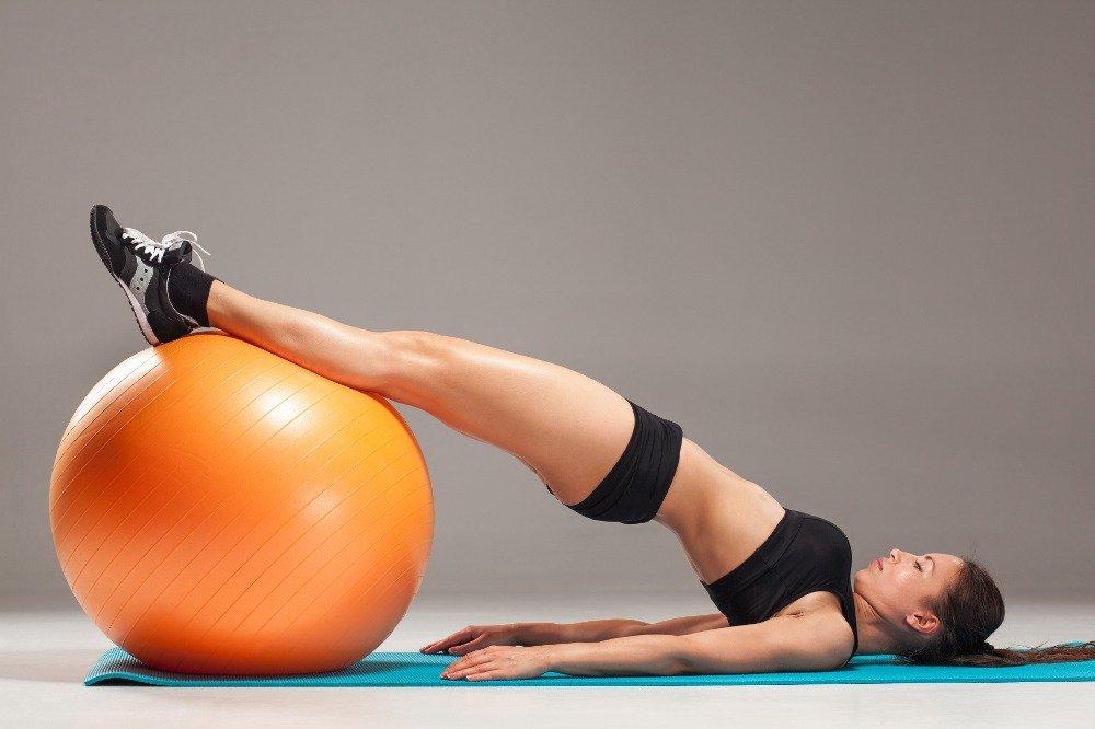 Польза упражнений со швейцарским мячом