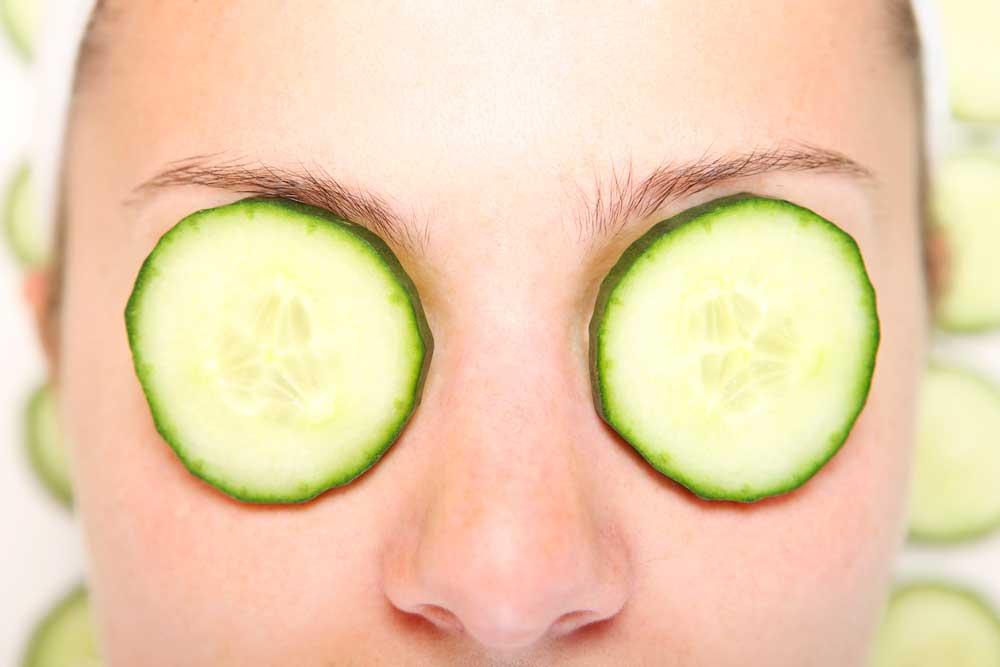 Как правильно использовать огурец для кожи лица?