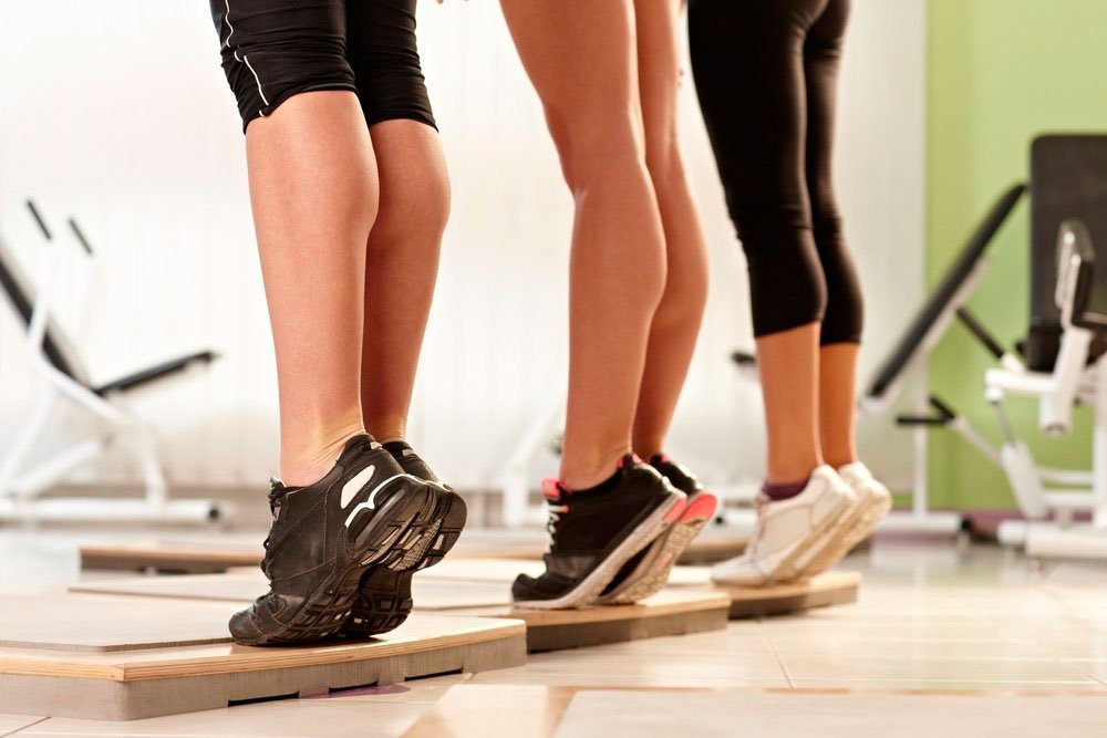 Вечерняя фитнес-тренировка для поклонника ЗОЖ: комплекс №1