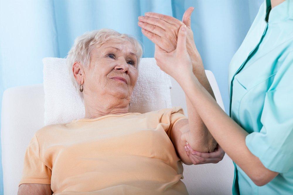 Симптомы при постменопаузальном остеопорозе