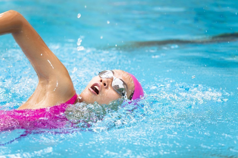 Как правильно плавать для похудения?