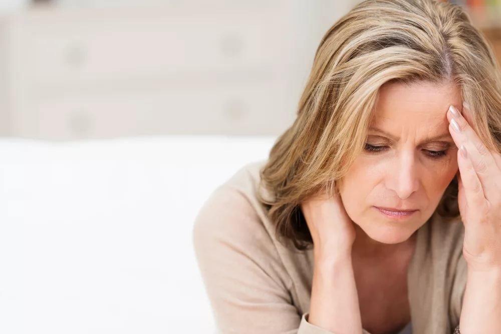 Неприятные проявления климакса: рассеянность, тревожность и быстрая утомляемость