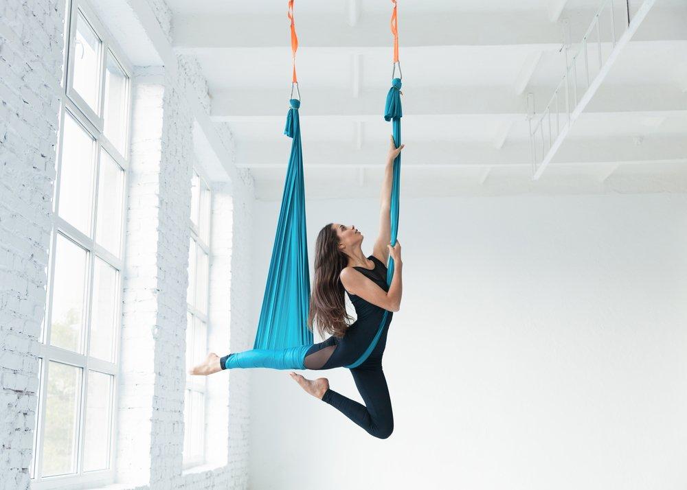 Упражнения воздушной йоги