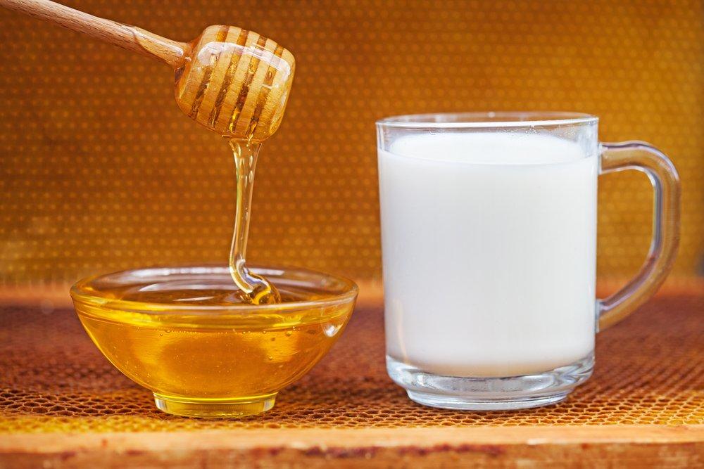 Мед и молоко: питание и смягчение обезвоженной кожи