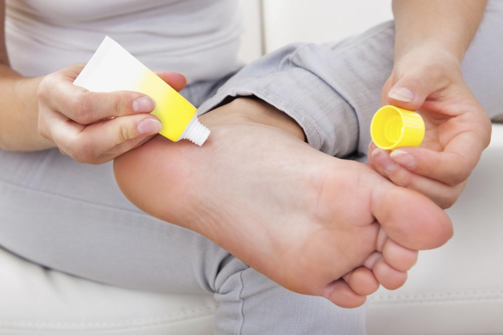 Залог сияющей здоровьем кожи на ногах — увлажнение
