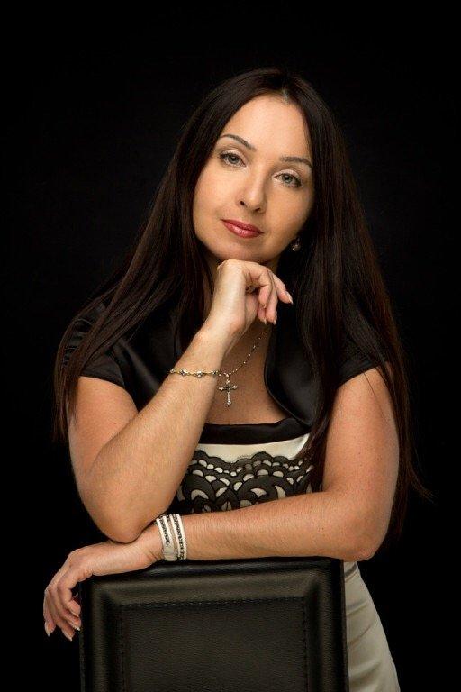 Виктория Петровна Штеба, врач-дерматокосметолог Аполлония Дентал Клиник 2.JPG