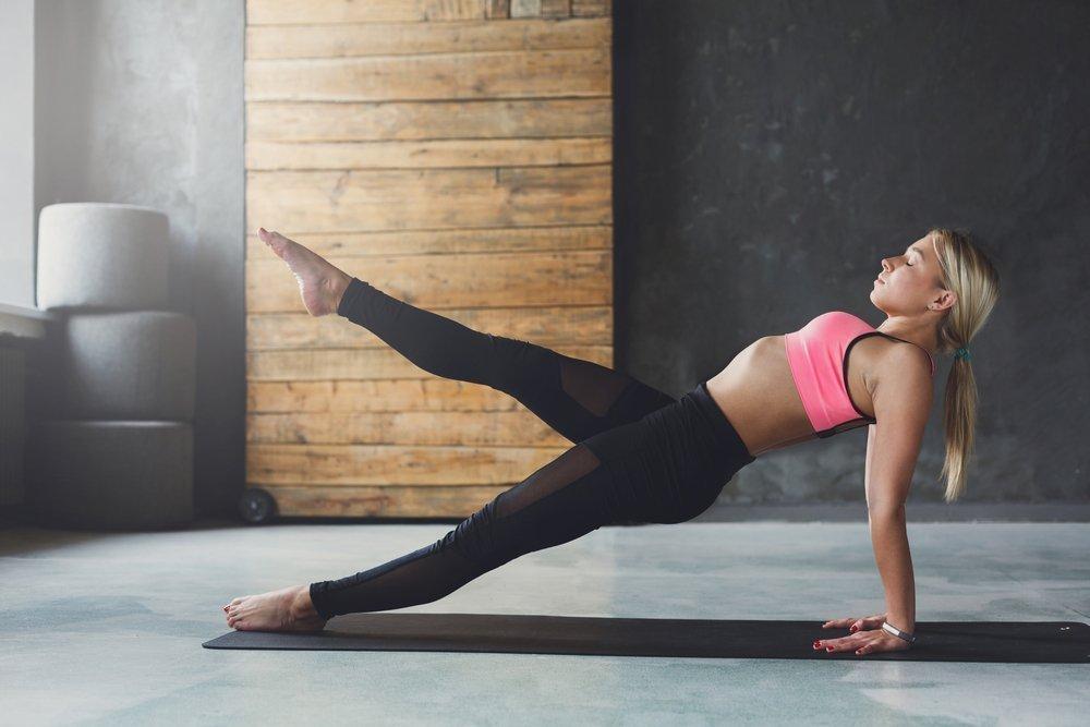Базовые упражнения для коррекции ног