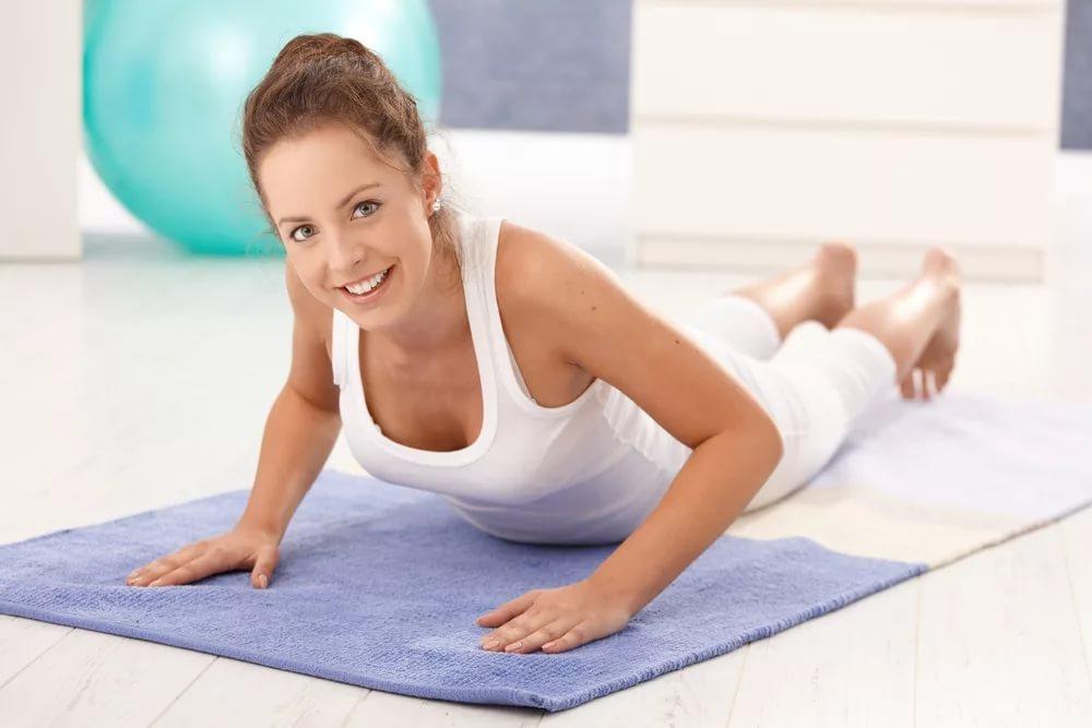 Утренняя фитнес-программа для спины и брюшного пресса