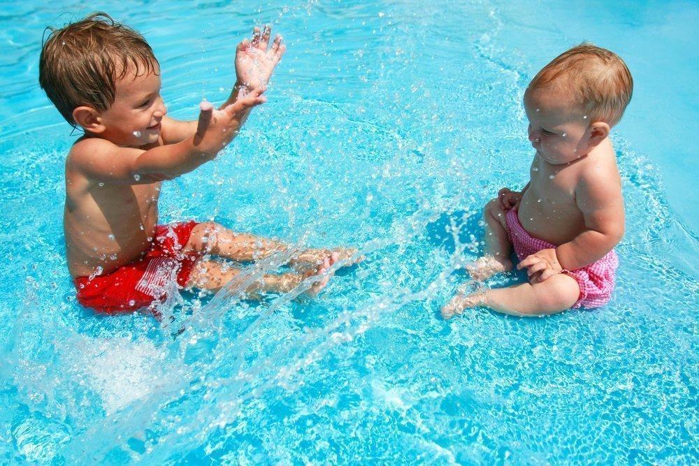 В чем заключается польза бассейна для развития детей?