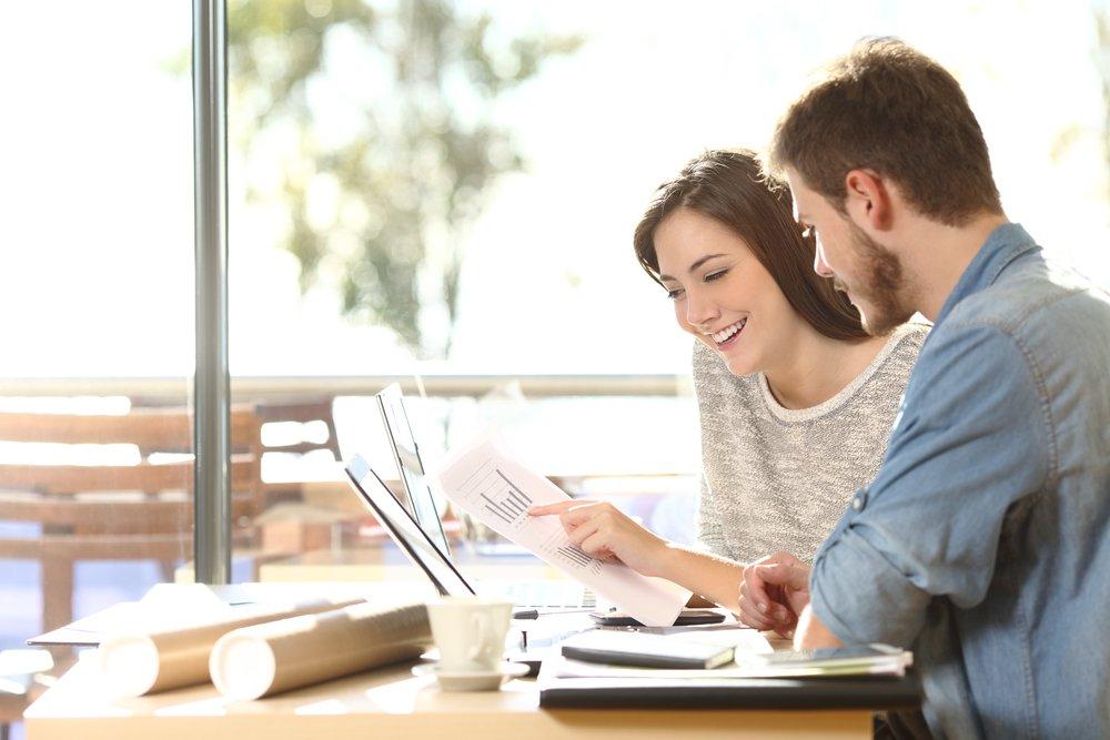 Дружба и взаимопомощь на работе с точки зрения коллег