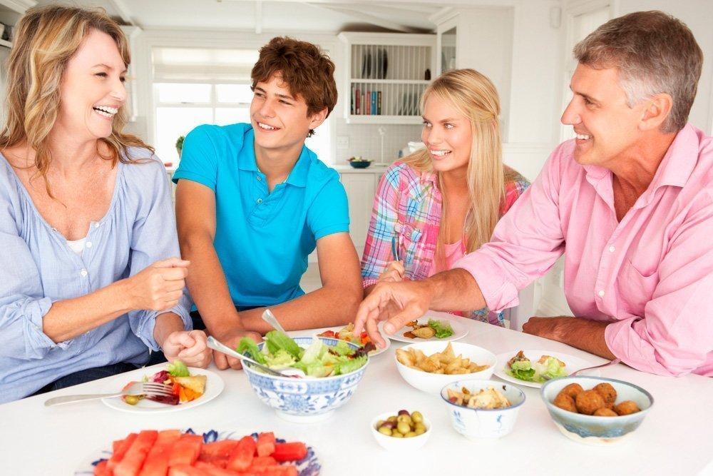 Характер отношений с новыми родственниками: почему не нравятся избранники детей?