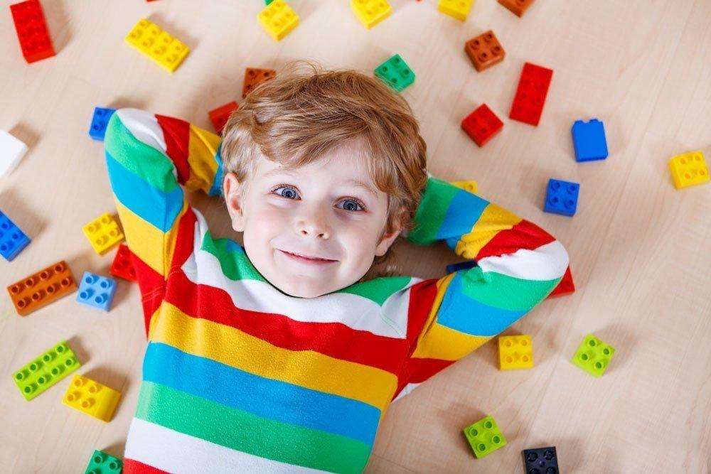 Возраст детей от 4 до 12 лет: выбираем подарок по интересам