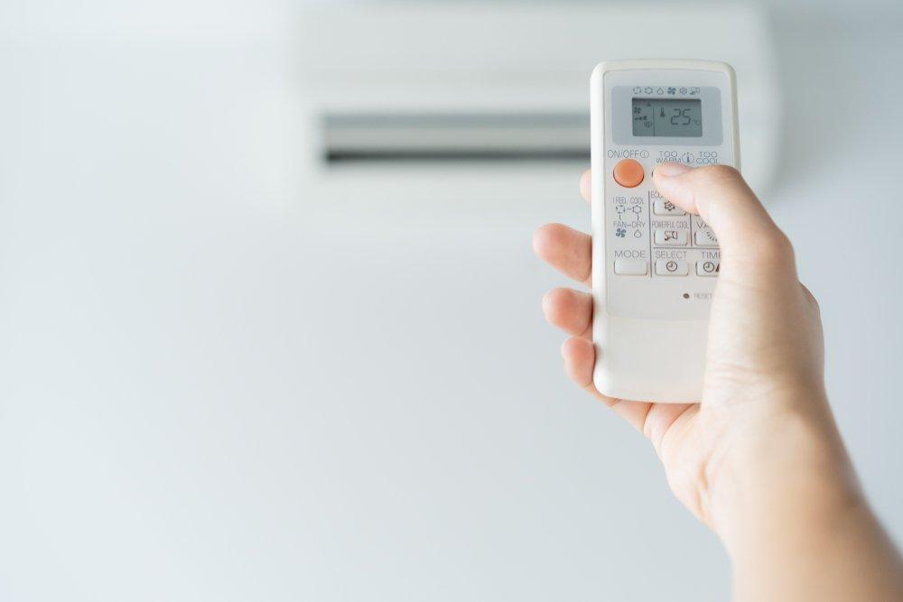 Охлаждение температуры воздуха в спальне