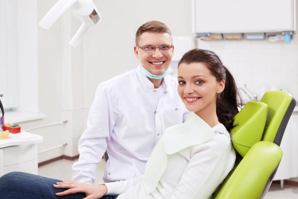Врач предлагает заплатить за анестезию и пломбу