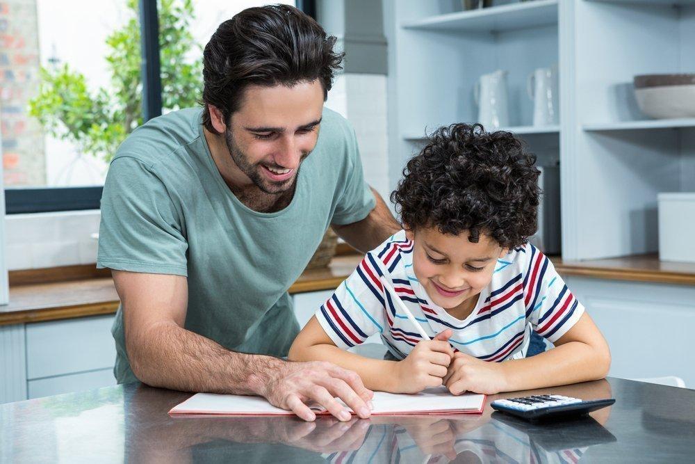 Чем объясняется мягкость отца в воспитании детей?