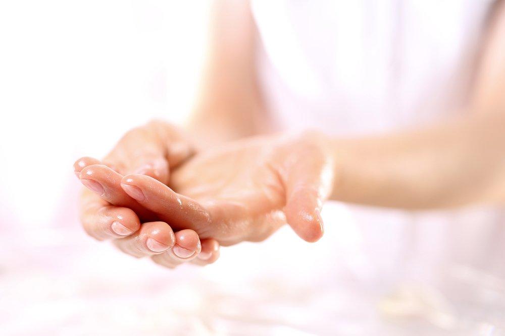 Масла увлажнят сухую кожу