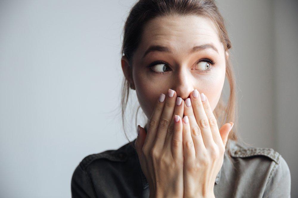 Причины и симптомы герметического стоматита