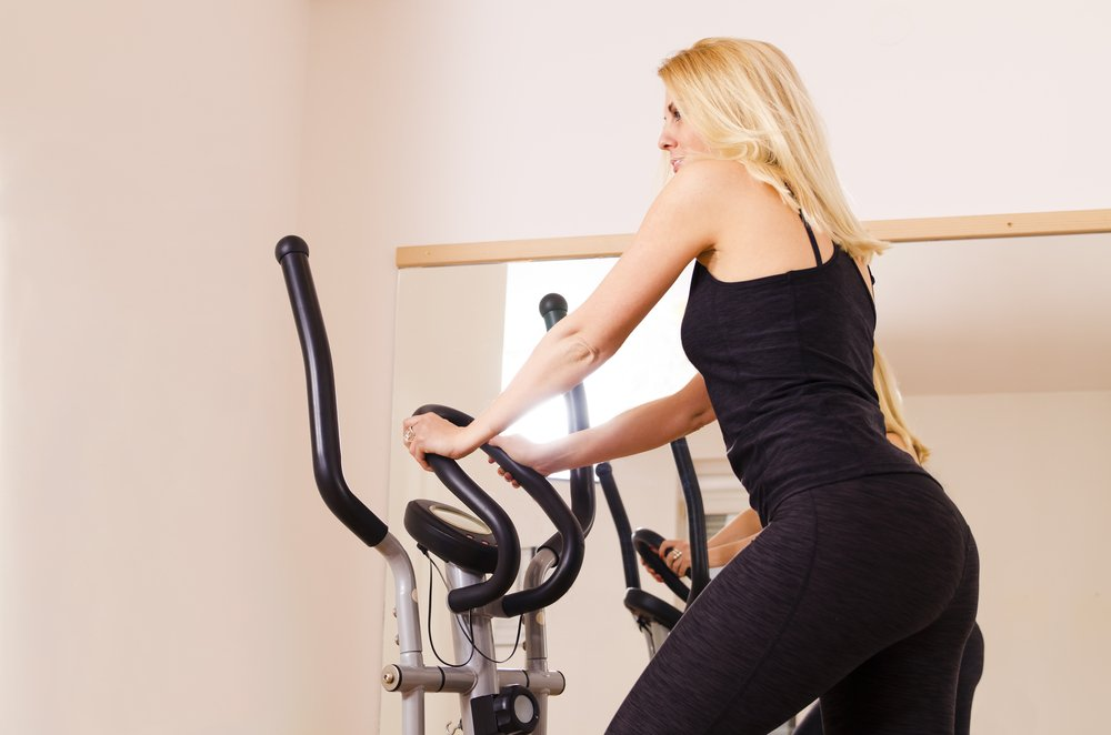 Нюансы выбора эллипсоида для домашних занятий фитнесом