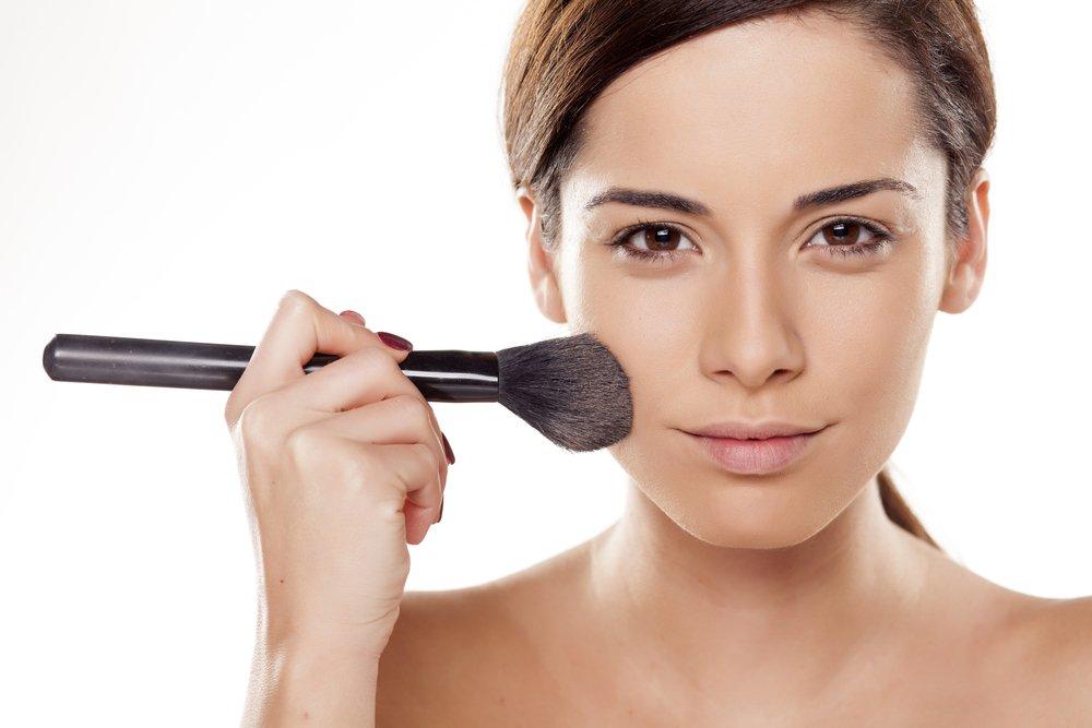 Используйте особую базу под макияж