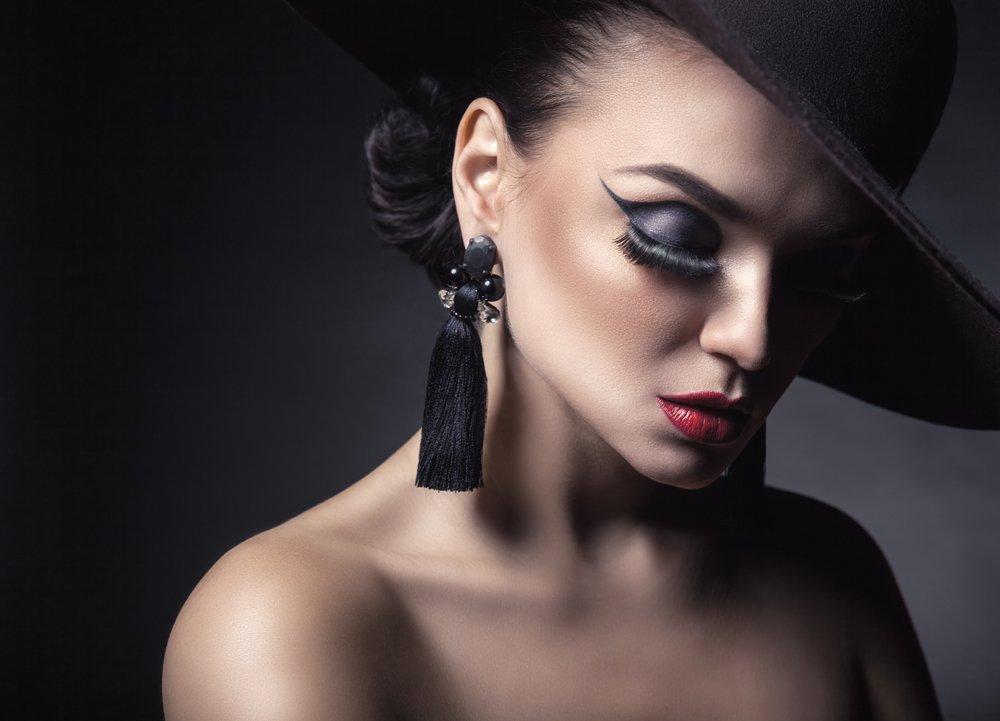 Какую косметику использовать для выполнения бровей?