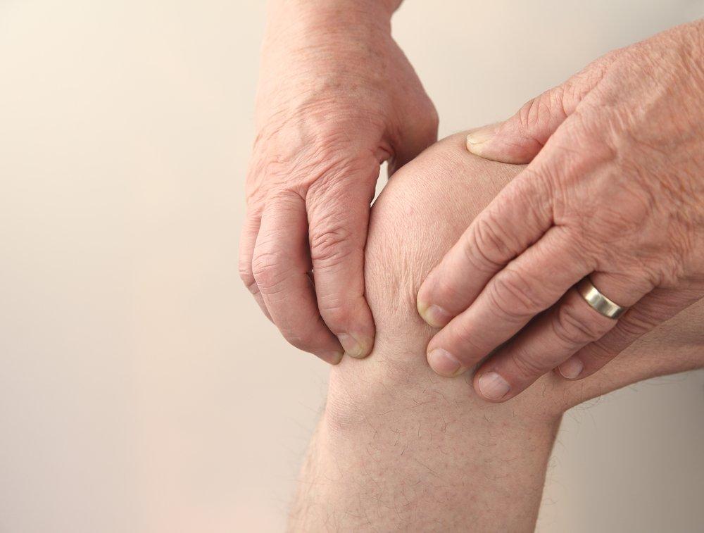 Боль и лихорадка — основные симптомы гнойного артрита
