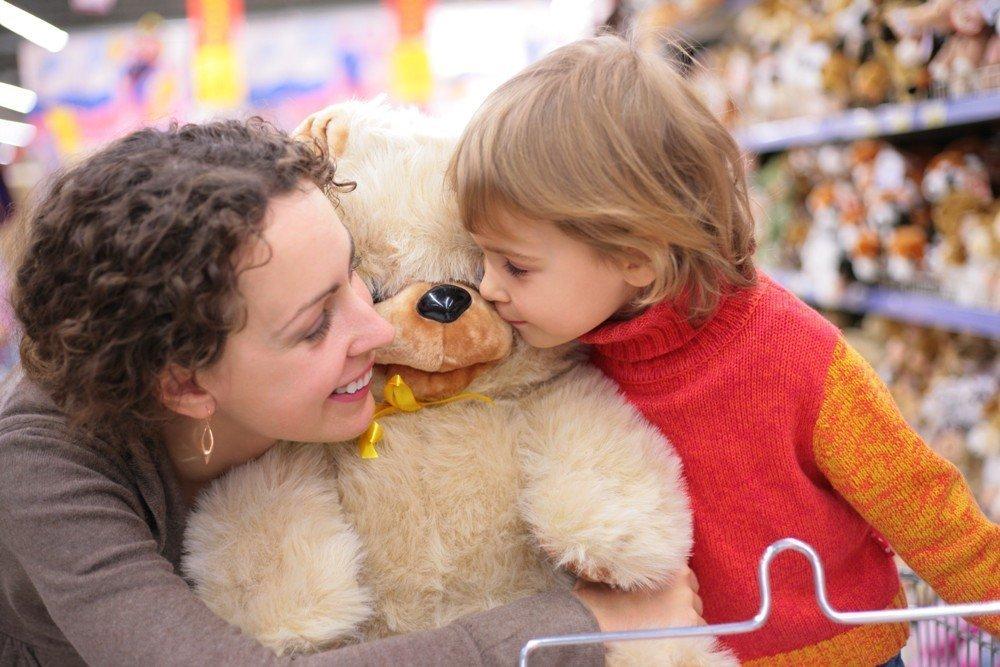 Безопасные игрушки для малыша