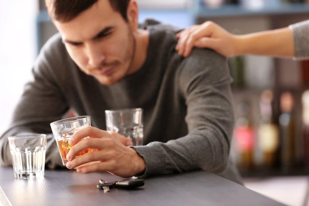 Почему женщины остаются в отношениях с алкоголиками?